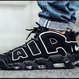 Nike Air more Uptempo blk &white